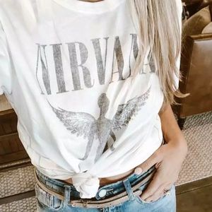 Tops - Nirvana Vintage Graphic Band T-shirt